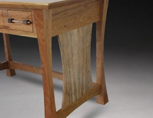 brynns-desk-accent-wood